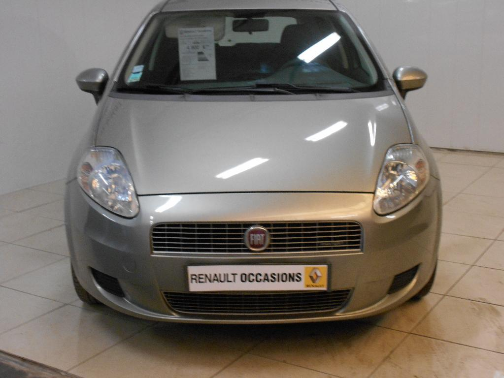 voiture occasion fiat grande punto 1 3 multijet 16v 75 dynamic 2009 diesel 50700 valognes manche. Black Bedroom Furniture Sets. Home Design Ideas