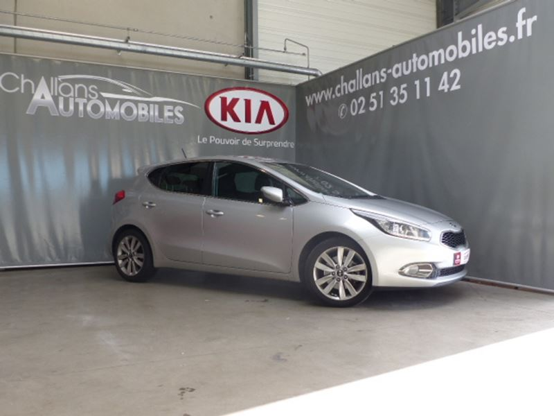 voiture occasion kia cee 39 d 1 6 crdi 128ch fifa world cup edition 2014 diesel 85300 challans. Black Bedroom Furniture Sets. Home Design Ideas