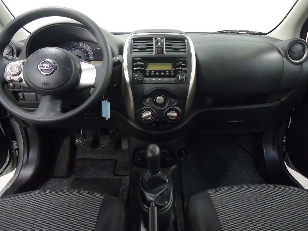 Voiture occasion nissan micra 1 2 80 acenta 2014 essence for Interieur nissan micra 2000