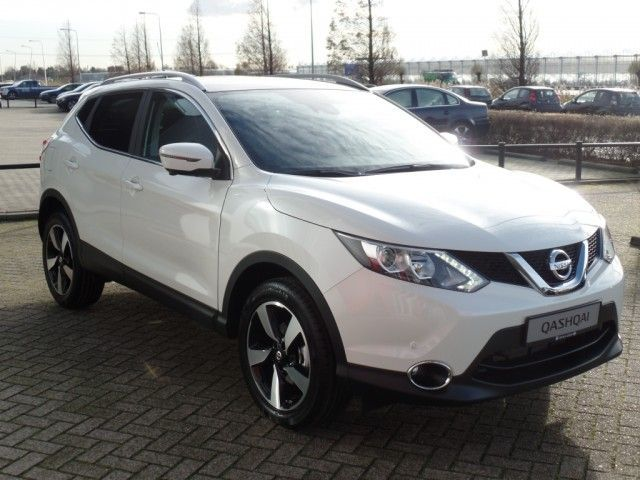 Voiture occasion nissan qashqai 1 5 dci 110ch n connecta for Qashqai 2016 interieur