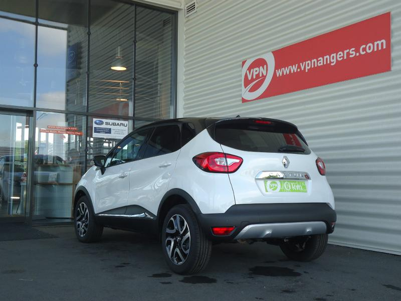Voiture occasion renault captur 1 2 tce 120ch s swave 2017 for Garage angers renault
