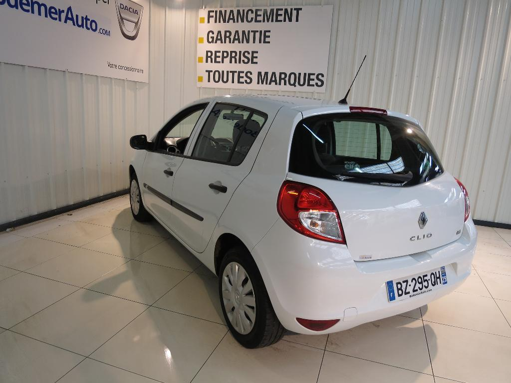 voiture occasion renault clio iii dci 75 eco2 authentique euro 5 2011 diesel 29000 quimper. Black Bedroom Furniture Sets. Home Design Ideas