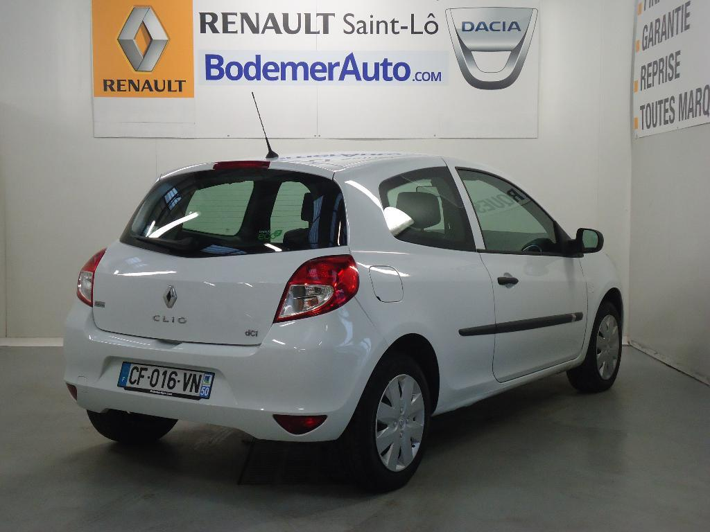 voiture occasion renault clio iii societe dci 75 eco2 generique euro 5 2012 diesel 50000 saint. Black Bedroom Furniture Sets. Home Design Ideas