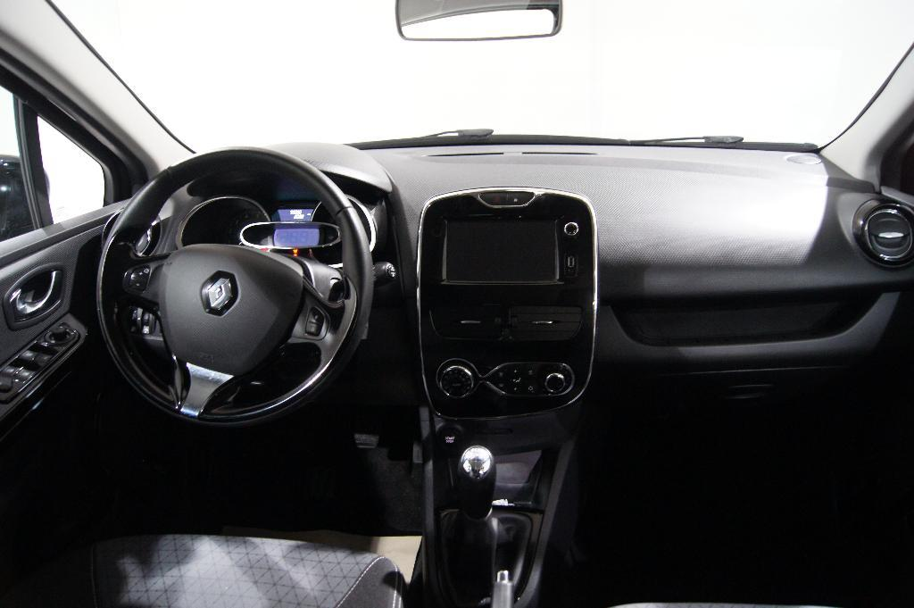 voiture occasion renault clio iv dci 90 energy eco2 intens. Black Bedroom Furniture Sets. Home Design Ideas