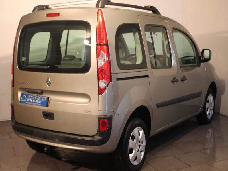 voiture occasion renault kangoo 1 5 dci 105 2008 diesel. Black Bedroom Furniture Sets. Home Design Ideas