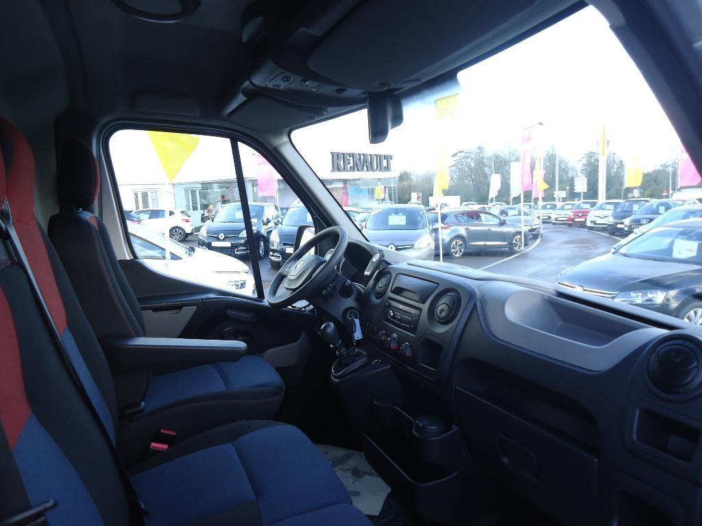 voiture occasion renault master fgn l2h2 2 3 dci 100 grand confort euro 5 2013 diesel 50000. Black Bedroom Furniture Sets. Home Design Ideas