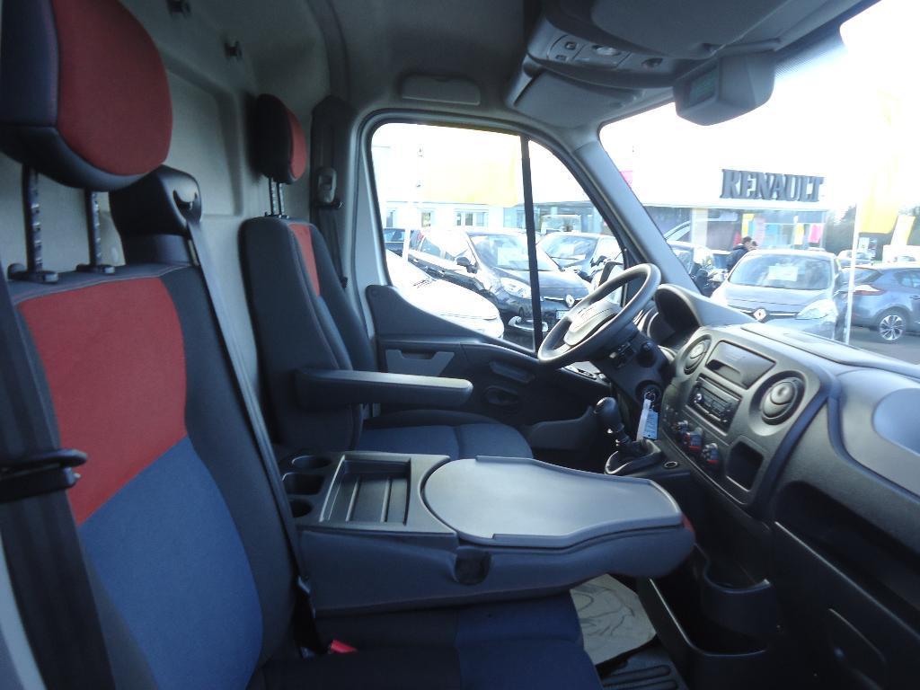 voiture occasion renault master fgn l3h2 2 3 dci 125 grand confort 2012 diesel 50000 saint. Black Bedroom Furniture Sets. Home Design Ideas