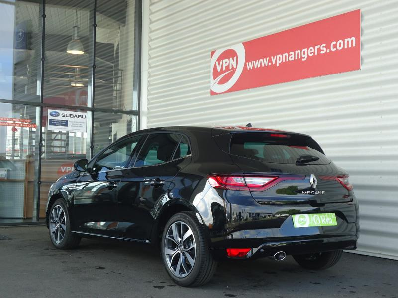Voiture occasion renault megane 1 2 tce 130ch intens 2017 for Garage angers renault