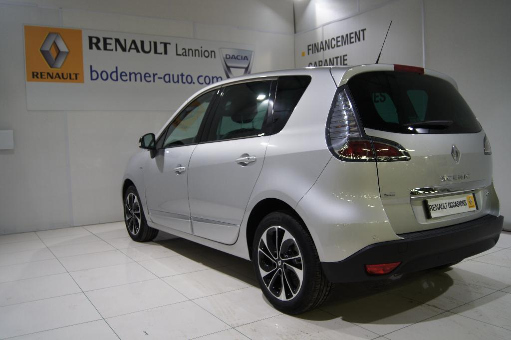 voiture occasion renault scenic iii dci 110 energy eco2 bose edition 2015 diesel 22300 lannion. Black Bedroom Furniture Sets. Home Design Ideas