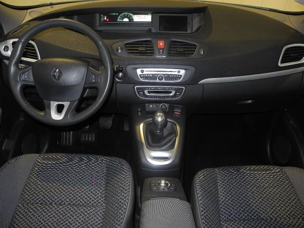 voiture occasion renault scenic iii dci 130 fap expression. Black Bedroom Furniture Sets. Home Design Ideas