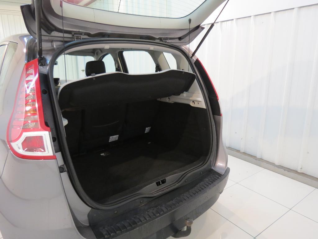 voiture occasion renault scenic iii dci 95 fap eco2 authentique euro 5 2011 2011 diesel 29900. Black Bedroom Furniture Sets. Home Design Ideas