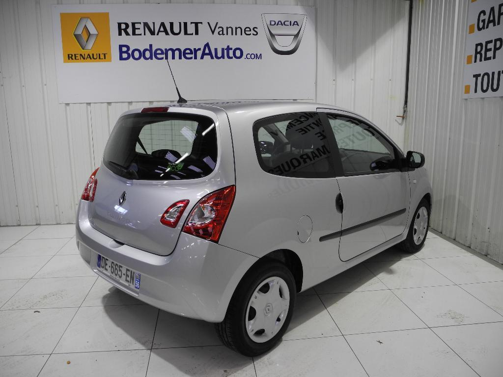voiture occasion renault twingo ii 1 2 lev 16v 75 eco2 life 2014 essence 56000 vannes morbihan. Black Bedroom Furniture Sets. Home Design Ideas