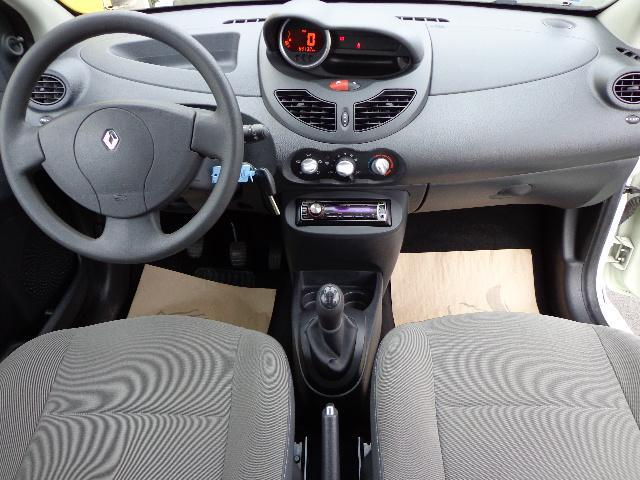 voiture occasion renault twingo ii 1 5 dci 75 eco2 authentique euro 5 2011 diesel 50200. Black Bedroom Furniture Sets. Home Design Ideas