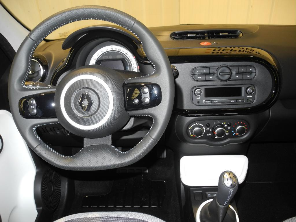 Interieur Twingo 2 Of Voiture Occasion Renault Twingo Iii 1 0 Sce 70 Eco2 Intens