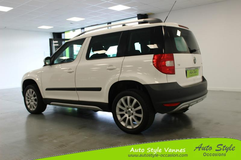 voiture occasion skoda yeti 2 0 tdi110 cr ambition 4x2 2010 diesel 56450 theix morbihan. Black Bedroom Furniture Sets. Home Design Ideas