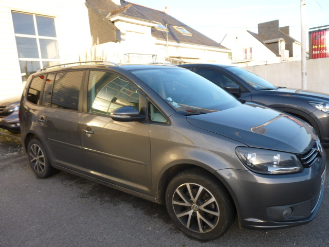 voiture occasion volkswagen touran 1 6 tdi 105 cv 2011 diesel 56000 vannes morbihan. Black Bedroom Furniture Sets. Home Design Ideas